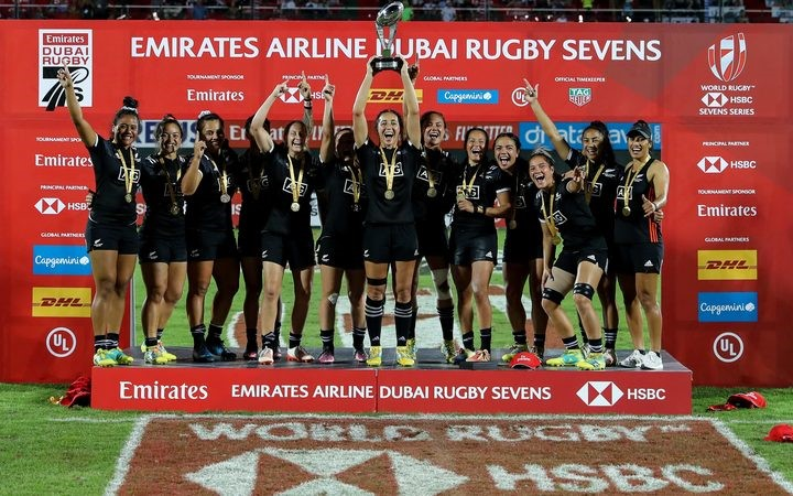 Fiji women avoid Dubai wooden spoon
