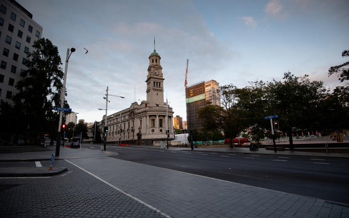 Aucklanders react to moving to alert level 2 proper