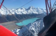 Pilot commemorates first flight over Aoraki/Mt Cook 100 years on