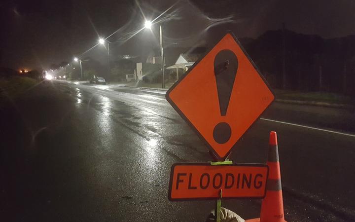 Heavy rain sets in across upper South Island